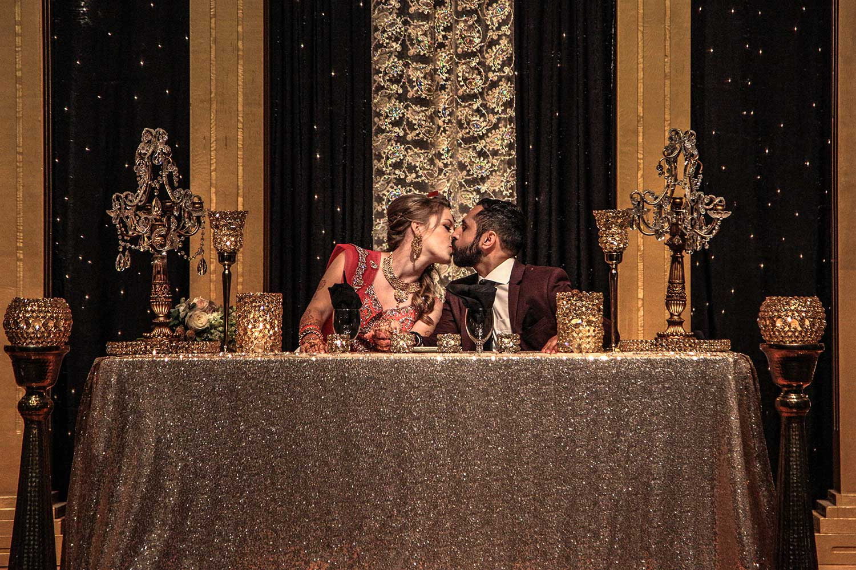 wedding dinner kiss